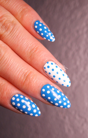 http://www.drinkcitra.com/2014/02/week-04-blue-busygirlnails-winter-nail.html