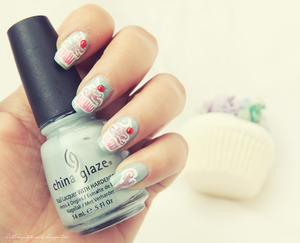 more photos here: http://littlebeautybagcta.blogspot.ro/2013/03/notd-cupcake-nails.html