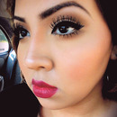 liner + red lip