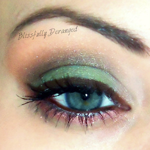Also used in this look is Beauty From The Earth using Colorado's Front Range, Cat's Eye, Saturday Morning, Chaos, Draconis, and Very Vanilla.