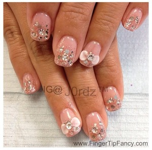 FOR DETAILS CLICK HERE: http://fingertipfancy.com/pink-glitter-silver-hologram-nails