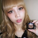 Gyaru shimmery brown eyes