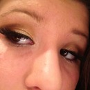 brown and gold shimmer smoky eye