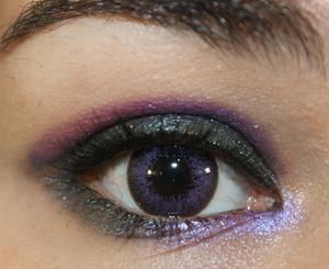 Meilasu Cream Shadow Look http://yamismakeup.blogspot.com/2011/07/revieweotd-meilasu-purplish-red-creme.html