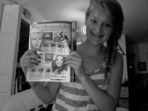 Supporting Laura, xeverygirlx, in the newest 17 magazine!