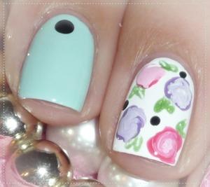 http://malykoutekkrasy.blogspot.cz/2014/04/kvetinovy-nail-art.html