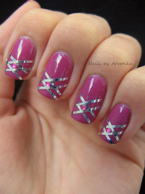 FOR MORE PHOTOS CLICK HERE: http://arvonka-nails.blogspot.sk/2012/09/ruzova-s-paskami-kamienkami.html