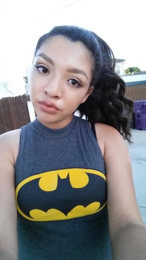 Natural makeup, nude lips, neutral eyes.  @ewwwits_tanya