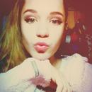 Ariana Grande eyelines