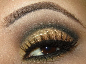 Black & Gold New Years Eve Makeup!