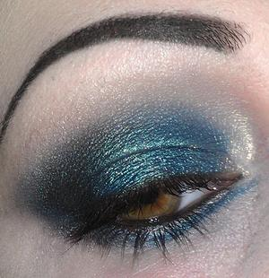 Created with the Urban Decay Vice palette.