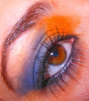 Chicago Bears eye makeup :)