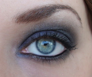 Another look with Catrice Vegas collection products, this is more of a smokey eye for a party or something.