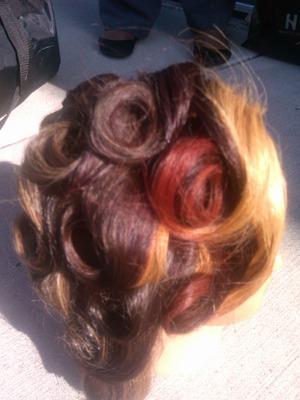 red blond pincurls