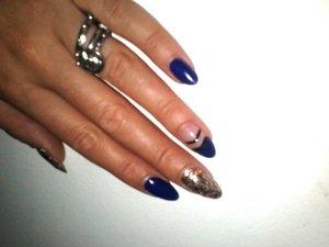 i made them with nail polish