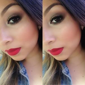 All naked 2 palette eyeshadows on my lips is  NYX In Amsterdam  follow on Instagram @always_heidymua