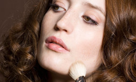Three Easy Ways To Apply Foundation