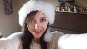 This is the subtle bright makeup that I wore today for Christmas!