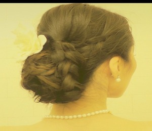 Learn how to do the classic wedding Chignon, low braided sock Bun Updo  on long hair (medium will work just as well) on yourself in this hair tutorial.   http://youtu.be/5PSVzKJPguw