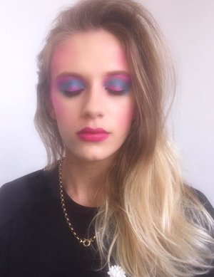 In the Diploma Of Screen And Media we had to recreate the popular makeup style worn by women in the 1980's, this is my recreation of a 1980's makeup that was popular for women at the time.