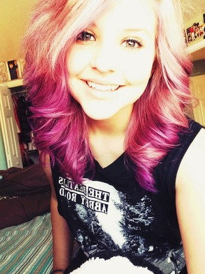 i recently colored my hair lavender on top and a dark purple on my tips, it looks pink in the picture, but it's very purple and i love it! 💜💜