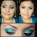 Verde Turqueza, Blanco Perla Y Azul Marino