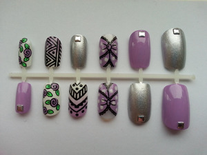 I just love these false nails I designed! They're just so fab! Buy them here: www.etsy.com/shop/nailsbydanielle