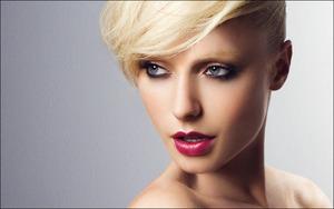 Obsessive Compulsive Cosmetics ad
