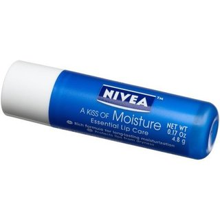 Nivea Nivea A Kiss of Moisture Essential Lip Care