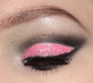 Pink cut crease look with glitter. I also uploaded a pictorial on this look. I used my 120 palette and glitter from ebay. Use any products you have or different colors! Lashes red cherry number 20. http://instagram.com/makeupbyeline/