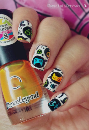 http://stampoholicsdiaries.com/2015/09/06/geeky-nails-with-essence-mundo-de-unas-dance-legend-and-born-pretty/