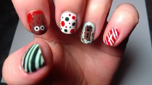 http://sugarmitten.wordpress.com/2011/12/23/christmas-nails/