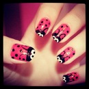 Cute ladybug nails!!