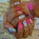 Nails pink sparkles