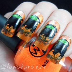 To find out more about this mani please visit http://glowstars.net/lacquer-obsession/2012/10/witches-brew