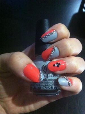 Jusy another view of my new nail art deisgn. Enjoy yall! :))
