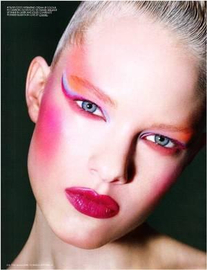 fuchsia lip, fuchsia blush, pink eyeliner, blue eyeliner, colorful