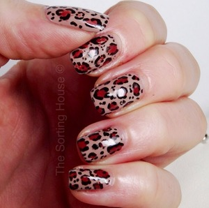 More on the blog - http://thesortinghouse.co.uk/nails/natural-leopard-print-nail-design/