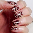Natural leopard print nail design