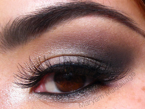 Classic Smokey Using the NAKED 2 palette. Tutorial and more info is n my blog: http://www.maryammaquillage.com/2012/02/sexy-smokey-naked-2.html