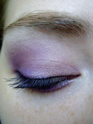 pretty in pink eyeshadow for green eyes