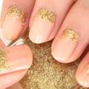 Gold Glitters Nails