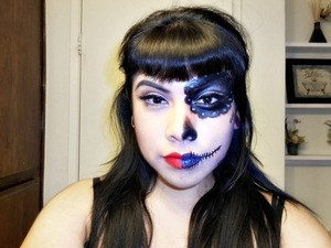 Hi guys! i entered a contest to win a full makeup scholarship! I'm in desperate need of votes and the scholarship please help? by simply liking my photo on fb  do you think you could quickly like my photo?I'm trying to win a makeup scholarship!   http://www.facebook.com/photo.php?fbid=10151419991948496&set=a.10151419983308496.575650.75394038495&type=1&theater