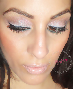 Another Amazing duo-chrome shadow and Lipstick  For more info visit StyleandFacebyStephie.Blogspot.com