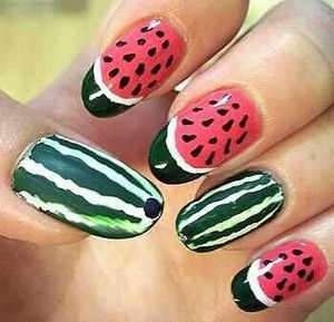 I am going to post more photos of nails like this