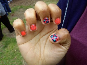 my cousins nails are so short, took a bit but did what she wanted :D