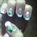 Mistletoe manicure :)