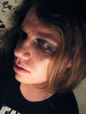 A photoshoot I did with a friend. Black pigment and vaseline. Fun. :)