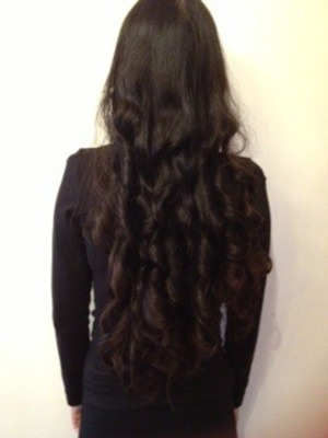 Hi! I curled my hair the other day and I loved the result. For this i use heatless curls leaving it overnight (: