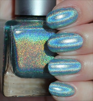 See more swatches & my review here: http://www.swatchandlearn.com/urban-oufitters-green-holo-swatches-review/
